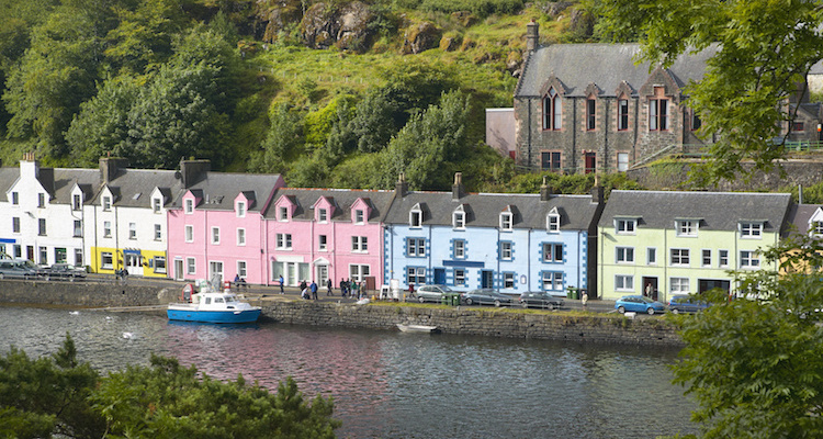 skye apartments portree quayside view